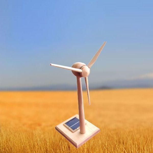 Éolienne Moderne 3 Pales Rotation